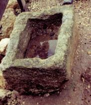 Steinkrippe aus Israel - Foto: eblibleteacher.com (Klicke auf das Bild, um mehr zu erfahren!)